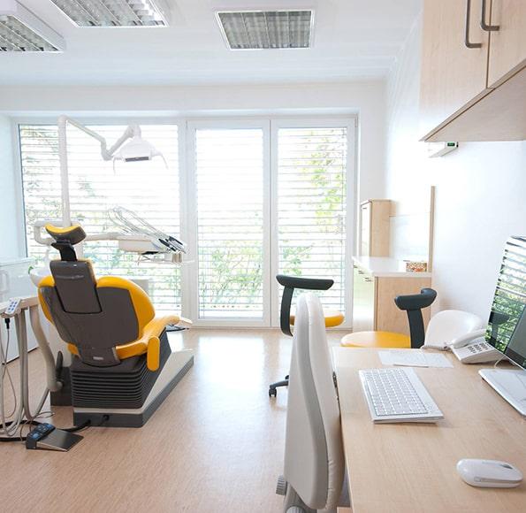 forniture-medicali-dispositivi-medici-studio-professionale-arredo-ufficio-e-medical-san-cesario-lecce